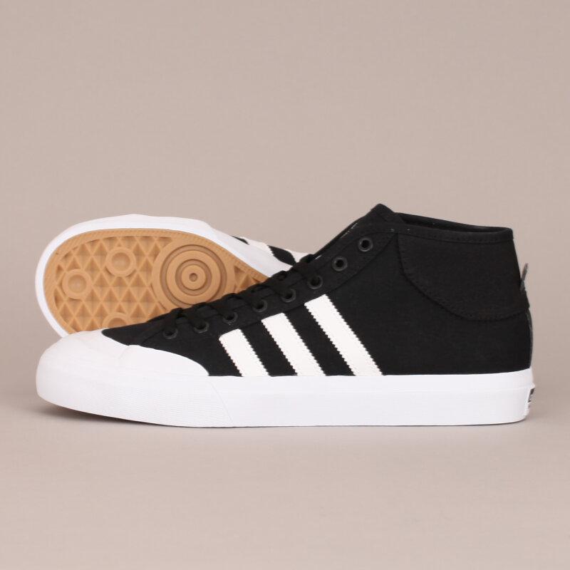 Köp Adidas Matchcourt Mid Skor Online